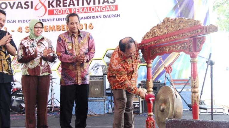 Pembukaan Pameran Inovasi Dan Kreativitas Kota Pekalongan 2016