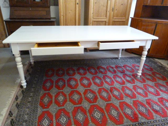 antike m bel gro er tisch in kristallweiss. Black Bedroom Furniture Sets. Home Design Ideas