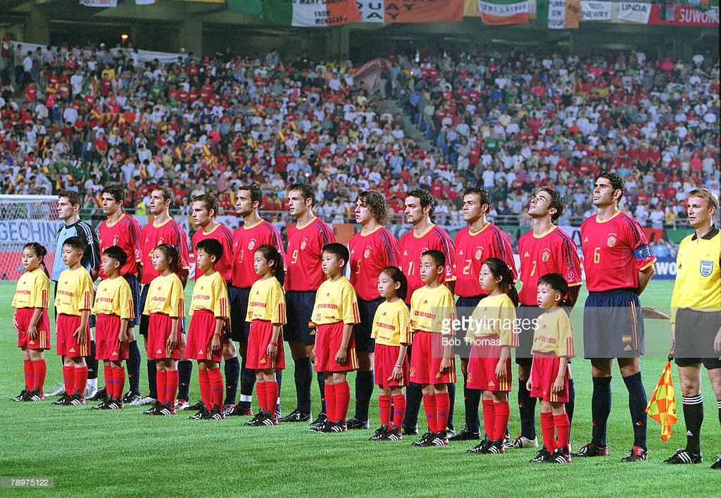Hilo de la selección de España (selección española) Espa%25C3%25B1a%2B2002%2B06%2B16b
