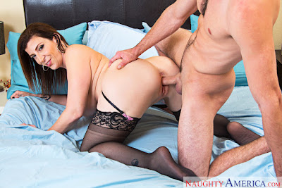 Sara Jay – My Friend's Hot Mom