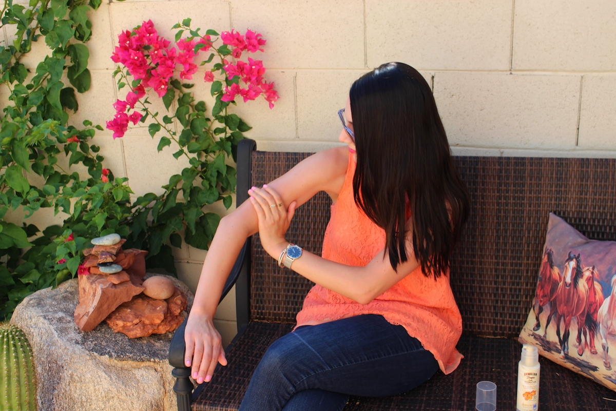 Hawaiian Tropic, Aloha Therapy, Silk Hydration weightless, Hawaiian, Tropic Sunscreen, Sunscreen lotion, Spf 15, Spf 30, UVA sunscreen, UVB sunscreen, Sunscreen skin protection, Lotion sunscreen, Hawaiian Tropic sunscreens, Hawaiian Tropic lotions, Hawaiian Tropic products, sunscreen, sunscreen lotion, sun protection, protecting your skin from the sun, UVB rays, UVA rays