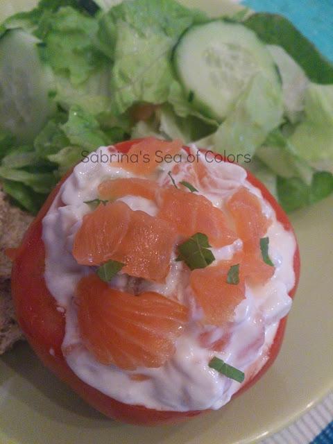 tomates rellenos de queso y salmón