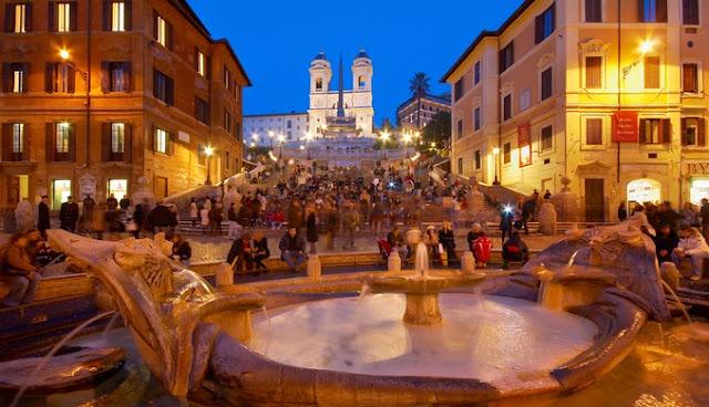 Piazza de Spagna em Roma