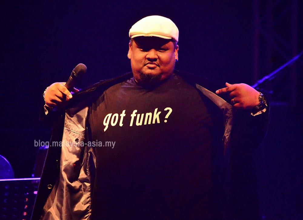 Russel Curtis, lead singer of JunkOFunc