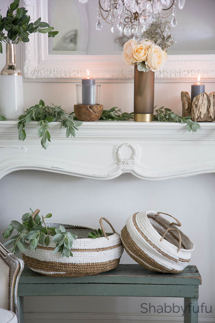 winter-mantel-decorating-natural