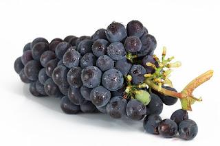 Cara Cepat Mengatasi Batuk Ringan Dengan Anggur