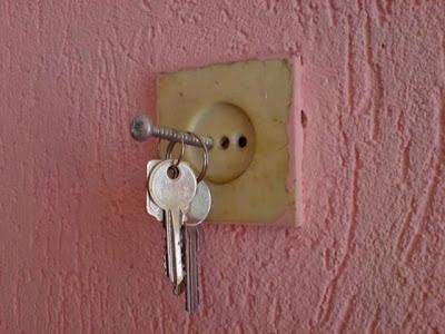Dumm Schlüssel in Steckdose witzige Bilder