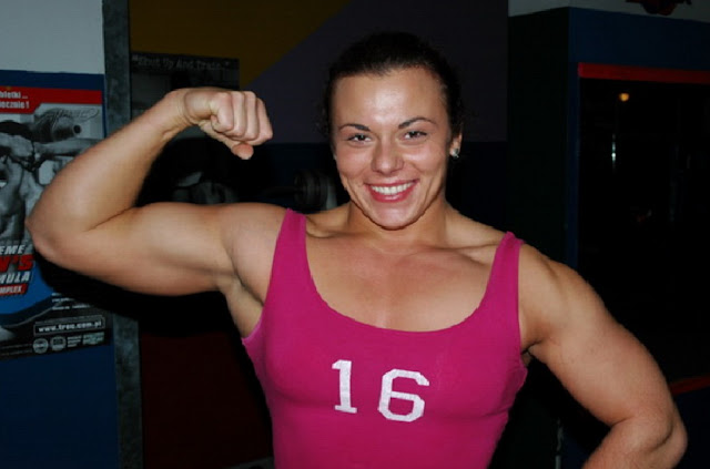 http://www.katasaya.net/2016/06/wanita-berpredikat-terkuat-di-dunia.html