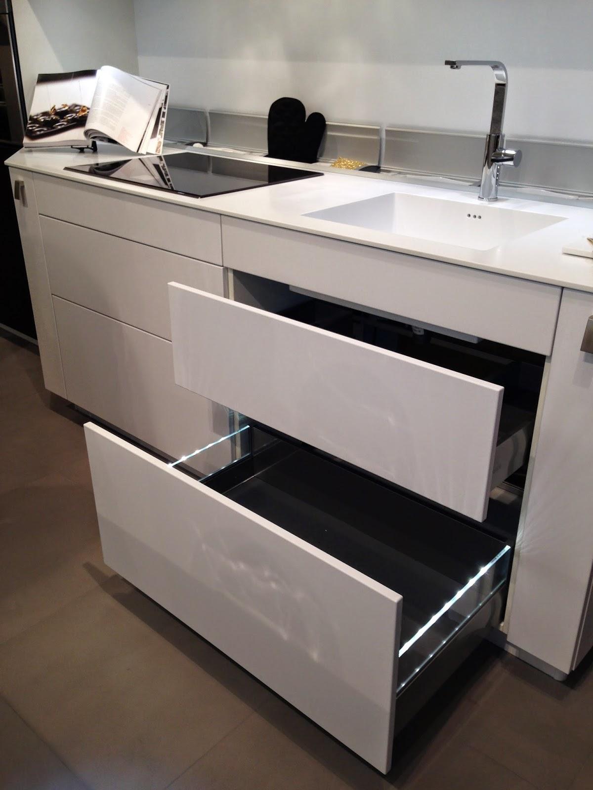 votre cuisine mobalpa par virginie nouveau showroom mobalpa. Black Bedroom Furniture Sets. Home Design Ideas