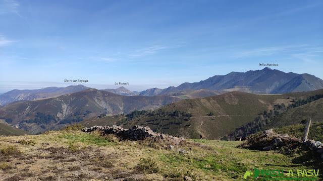 Vista de Peña Manteca y la Sierra de Begega desde el Pico Brañasín