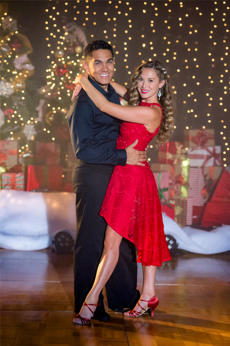alexa penavega and carlos penavega in enchanted christmas