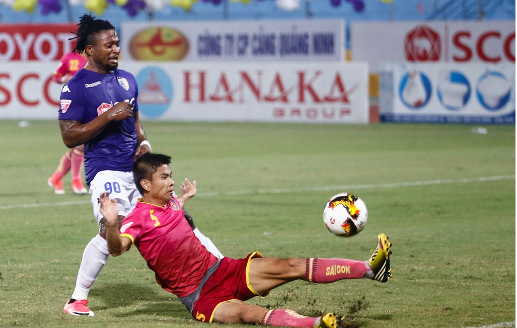 tai-dau-HN-FC-voi-SG-FC