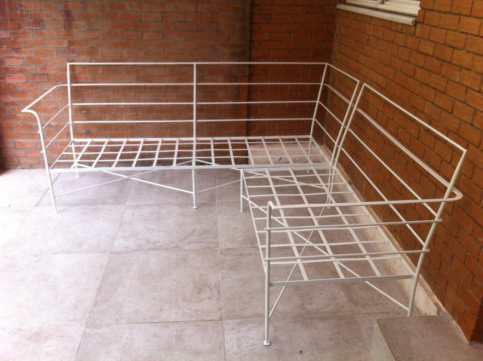 Muebles andrea schoennenbeck sill n de terraza en l de for Muebles de terraza fierro