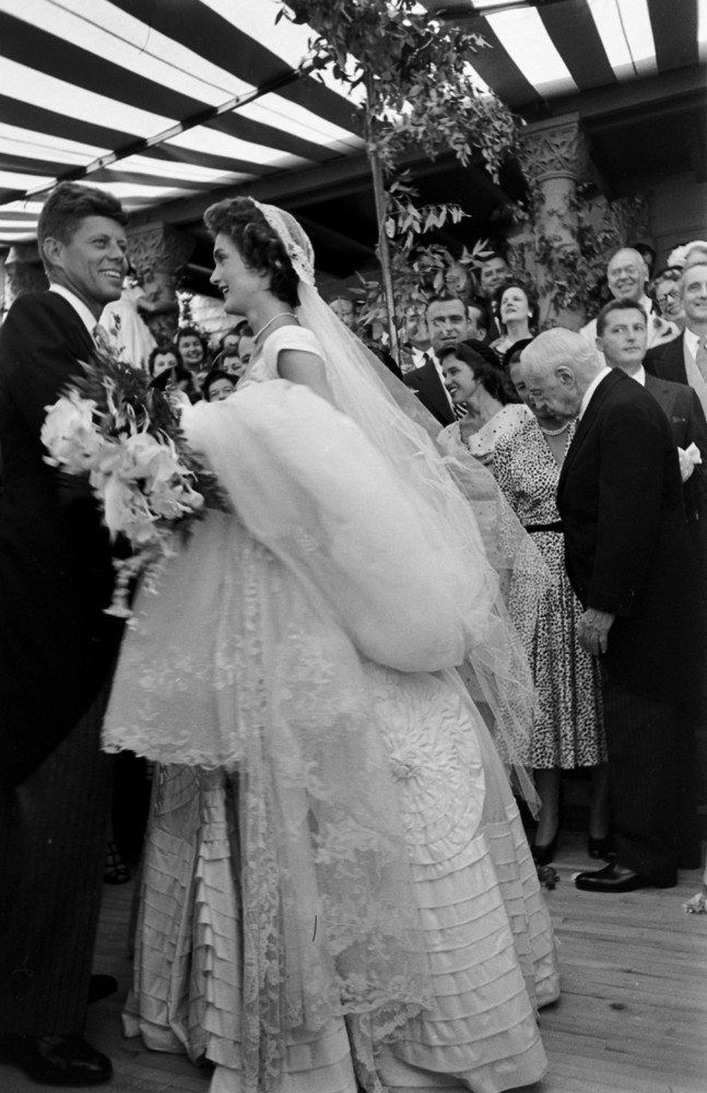 26 Candid Photographs From the Wedding of John F. Kennedy and ...