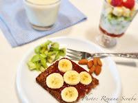 Mic dejun cu banane si kiwi