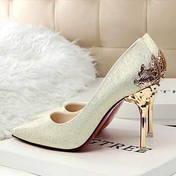 Namun tak semua wanita merasa nyaman dengan mengenakan sepatu ini. Mereka  merasa sulit berjalan dengan sepatu wanita high heels. Akibatnya banyak  kaum hawa ... 2269458ab6