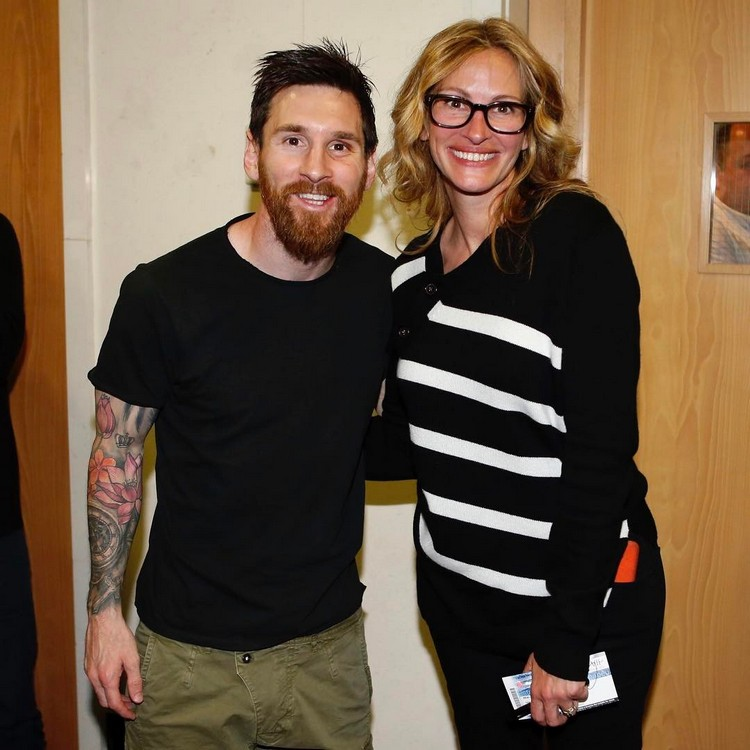 Julia Roberts was embarrassed at a meeting with footballer Lionel Messi