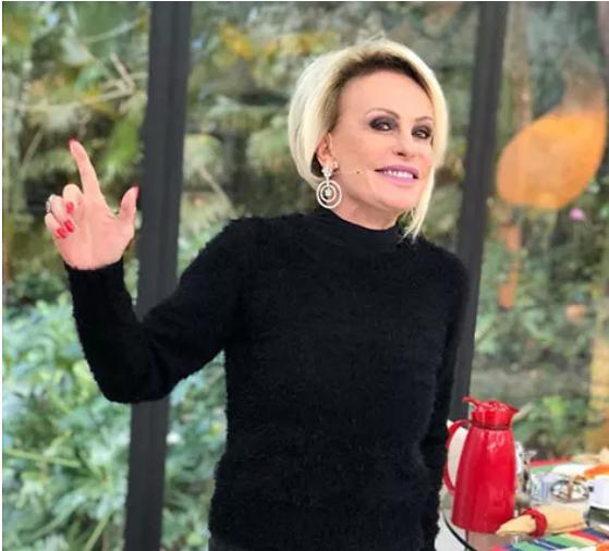 A blusa de tricô preta da Ana Maria Braga