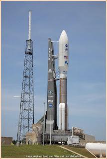Gambar kapal angkasa Juno semasa di Launch Pad #41