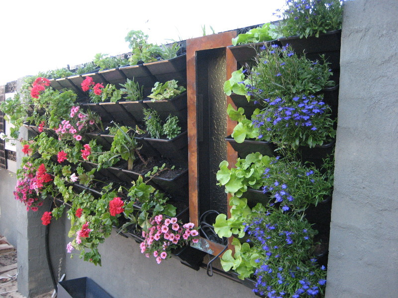 Good How To Build Vertical Garden #17: How To Build A Vertical Garden Or Living Wall If Youu0027re Short On Space In  Yo.