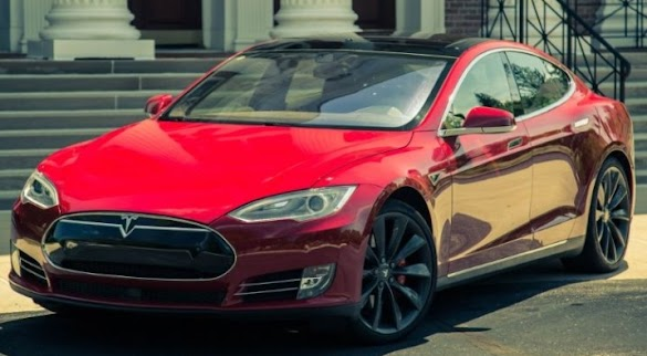 2015 Tesla Model S P8 5D : Witnessing change in 36,000 miles, plus one certainly long superhighway trip.