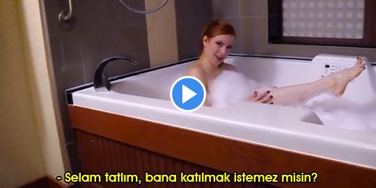 Annesini Banyo Yaparken Sikti