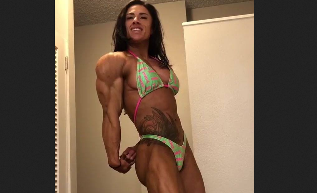 Clip Beauty & The Beast Female bodybuilders  Muscle Growth