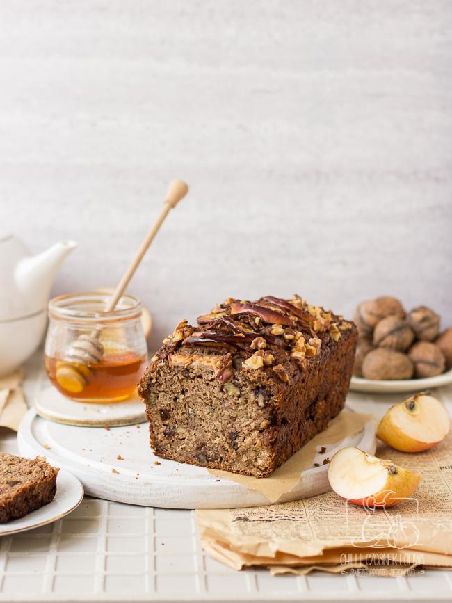 Chlebek jabłkowo-cukiniowy z oliwą (bez cukru)