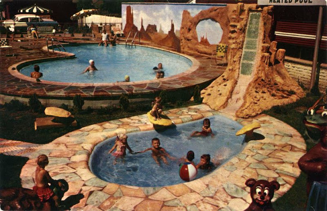 30 Cool Pics That Show American Hotel Swimming Pools From The 1950s And 1960s Vintage Everyday
