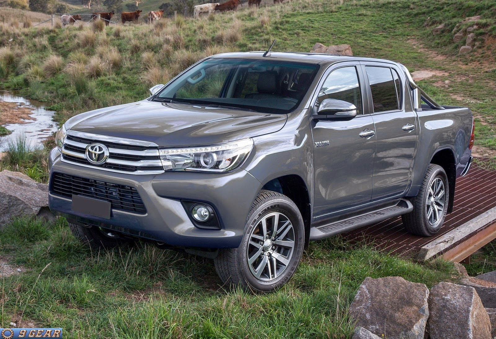 car reviews new car pictures for 2018 2019 new toyota hilux pickup truck images. Black Bedroom Furniture Sets. Home Design Ideas