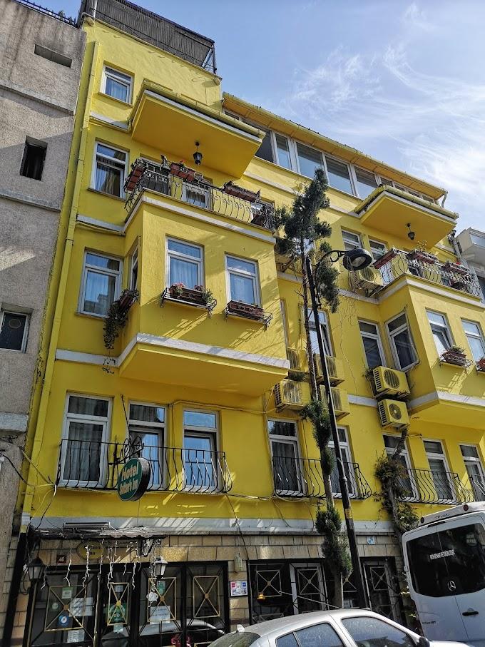 Empat Malam Di Sultan's Inn, Istanbul