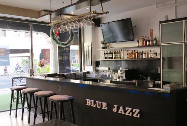 blue jazz hostel