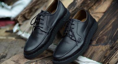 Foto Sepatu Somearethieves Warna Hitam Sepatu Pria