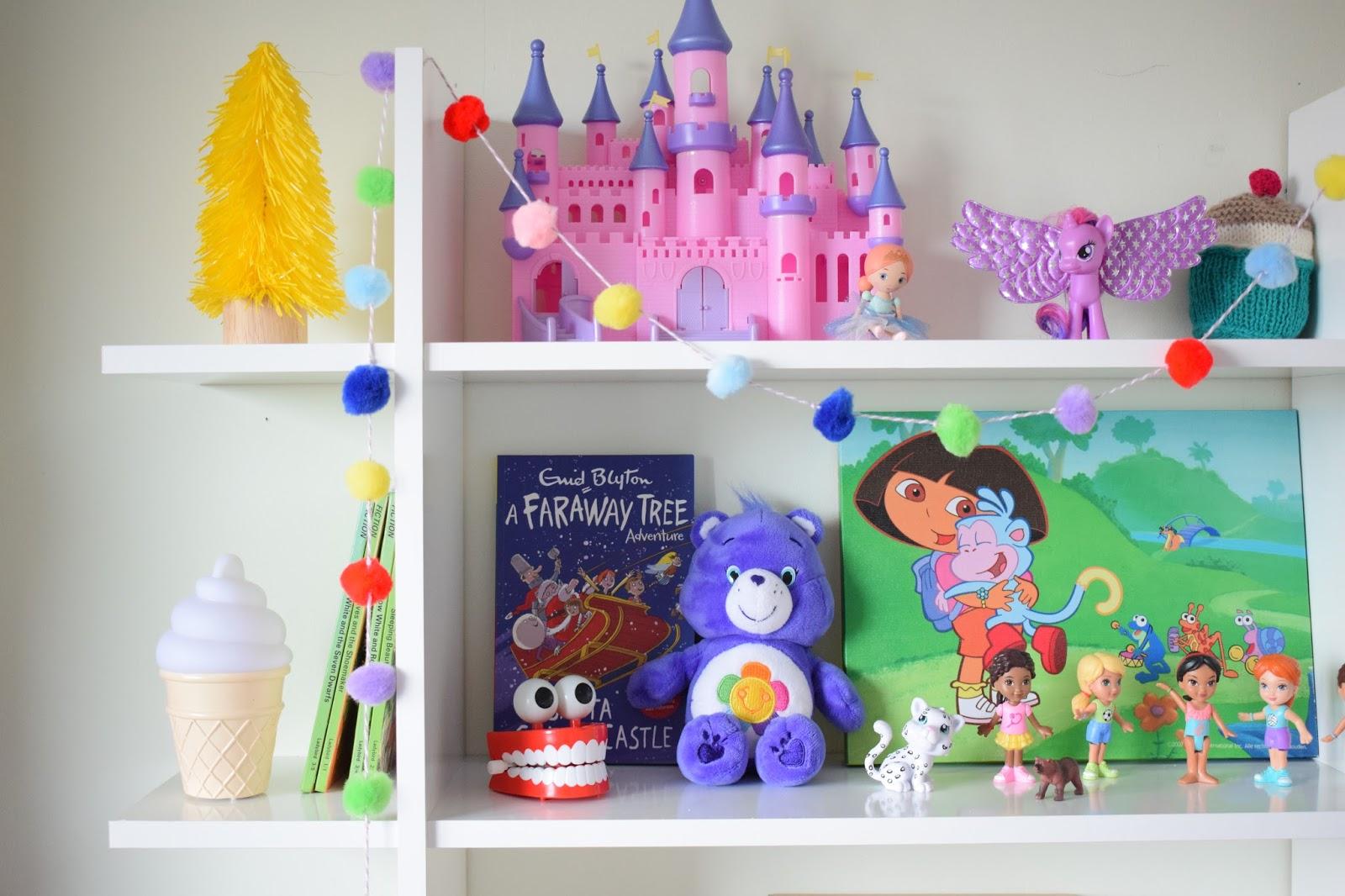 DIY Rainbow Garland | craftypollard