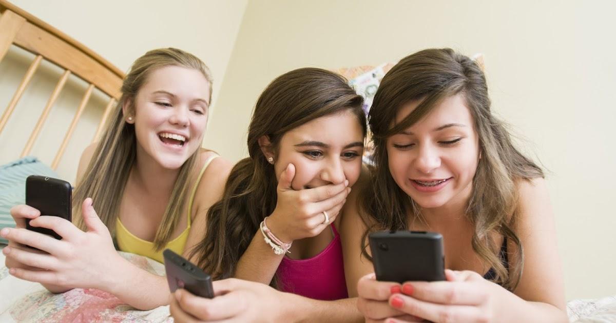 Busty teen cutie exposes big