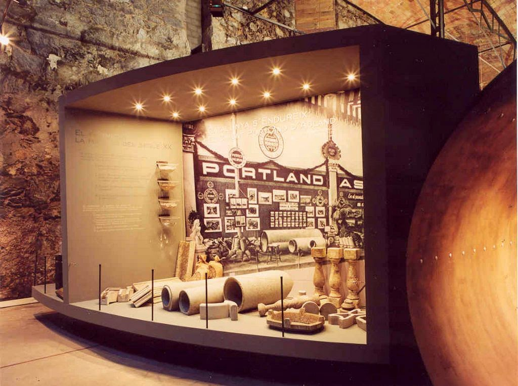 Interior Museo Ciment Asland. Fuente:http://www.elbergueda.cat/es/