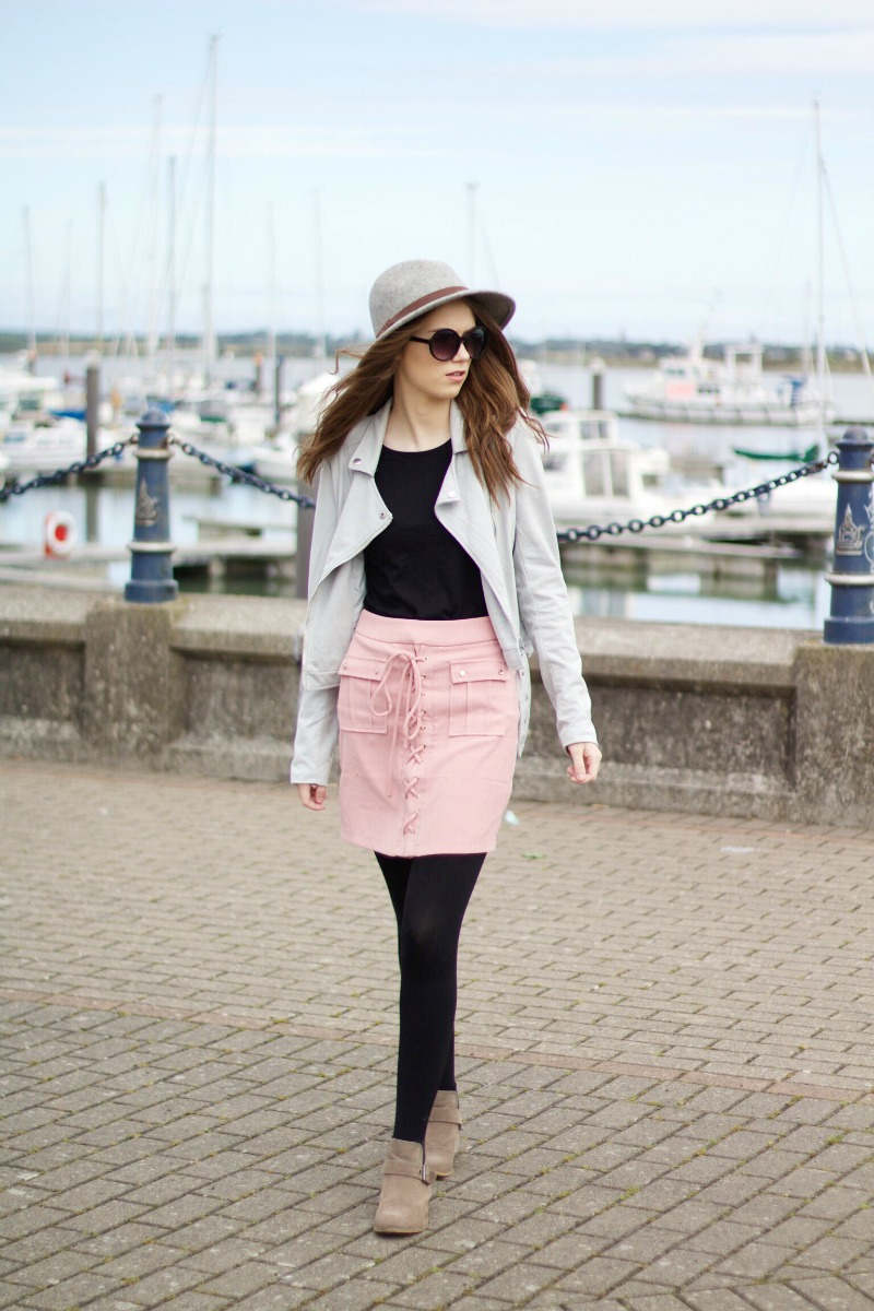 Missguided lace-up skirt outfit