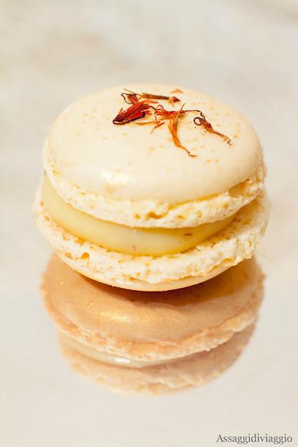 Macaron d'oro allo zafferano
