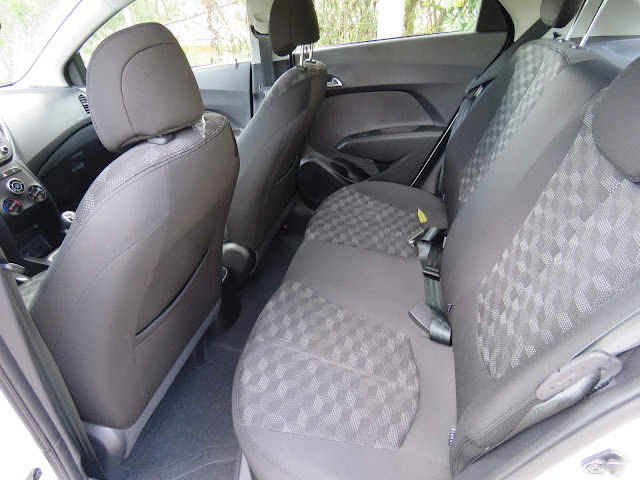 Hyundai HB20 1.6 2016 - interior - espaço traseiro