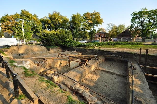 wykopaliska na Ostrowie Tumskim w Poznaniu