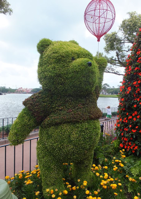 EPCOT Topiary Winnie the Pooh