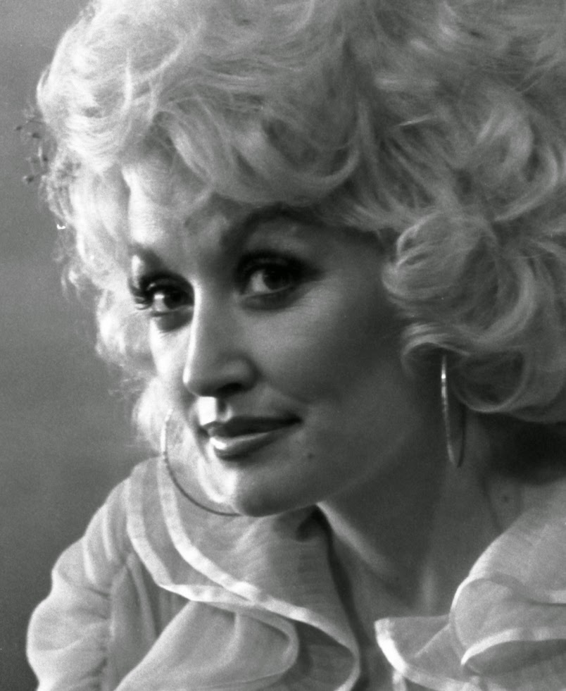 20 Beautiful Portrait Photos of Dolly Parton in the 1970s ...
