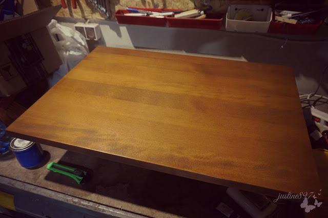 bukowy blat stolika