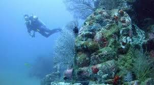 pura kuil bawah laut di bali