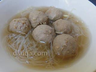 penampakan bakso dalam mangkok (2)