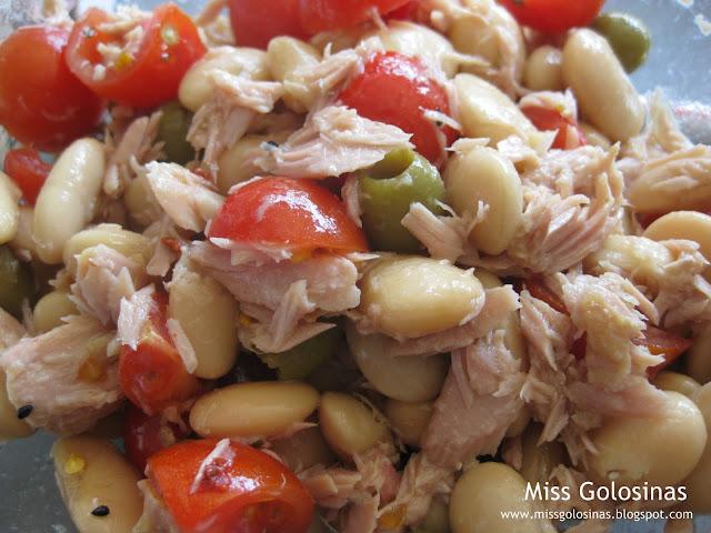 miss golosinas weisse bohnen tomaten salat mit thunfisch. Black Bedroom Furniture Sets. Home Design Ideas