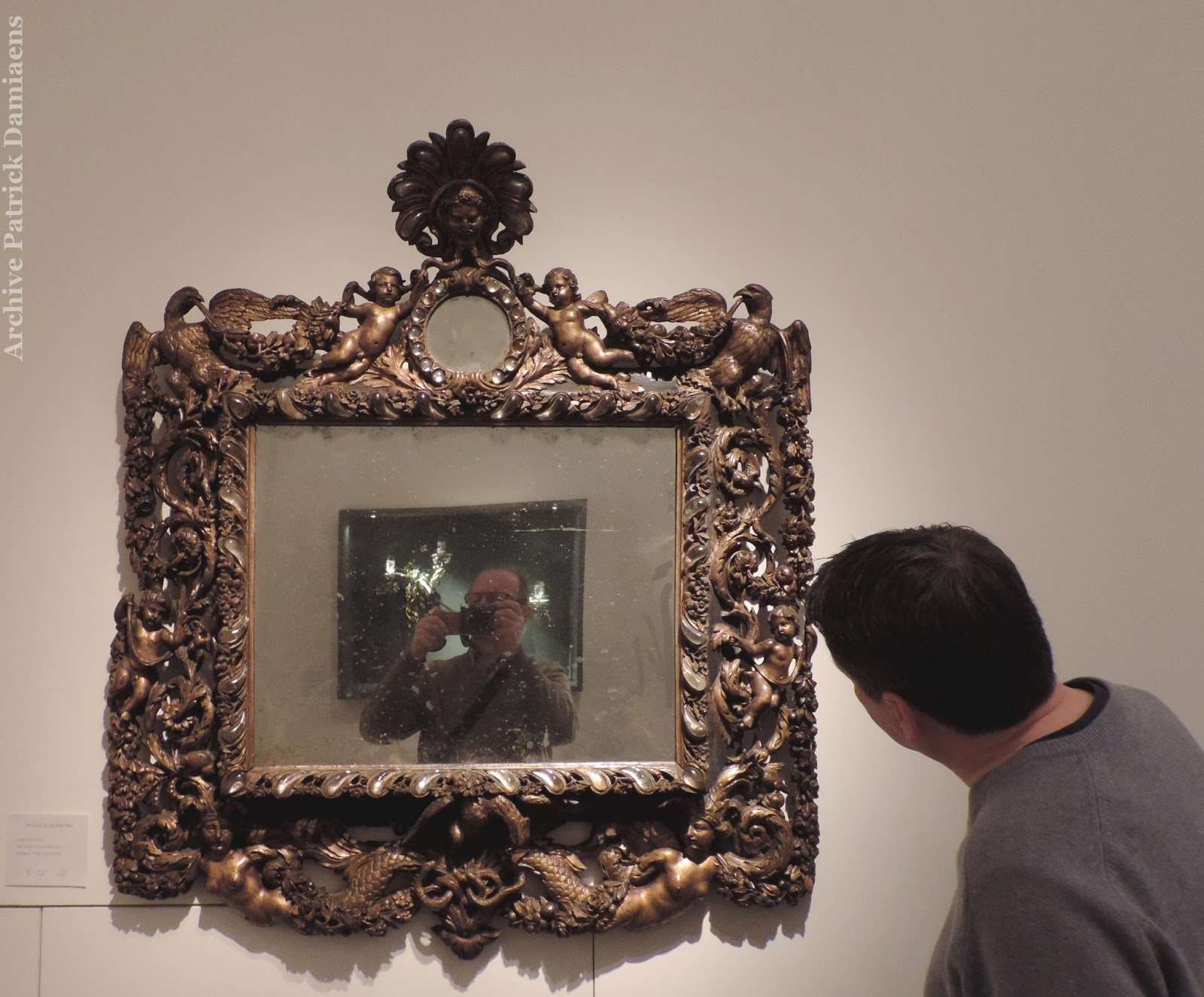 Sculpture ornementale patrick damiaens cadres de miroirs for Miroir de peine