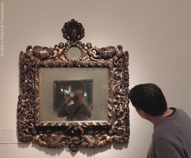 Sculpture ornementale patrick damiaens for Miroir de peine