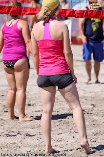 sexy jugadora voleibol licra