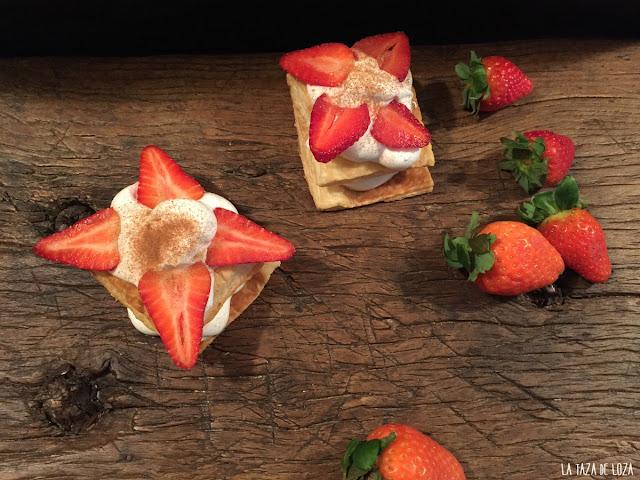 milhojas-de-merengue-suizo-y-fresas